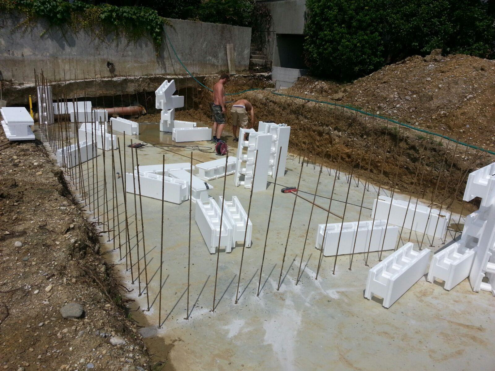 Scopri come si costruisce una piscina interrata piscine for Casseri in polistirolo per piscine