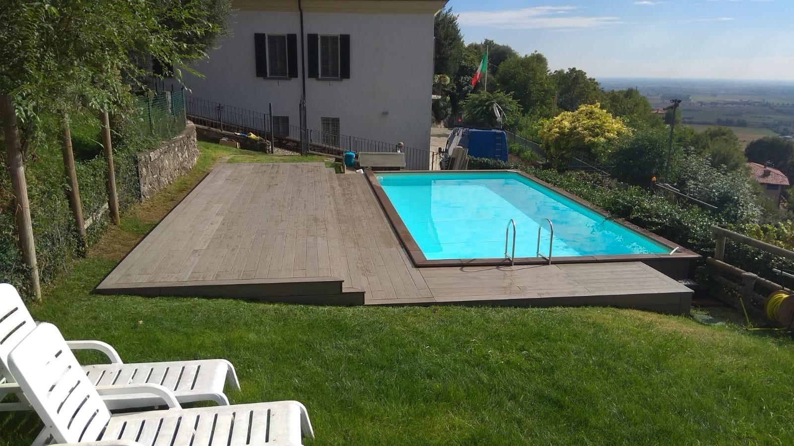 Piscina Su Terreno In Pendenza rivestimento senza manutenzione ecco 52 esempi. piscine