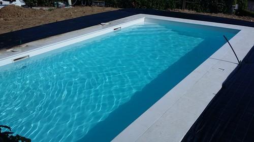 Progettazione centri benessere piscine da terrazzo e for Piastrelle per interno piscina