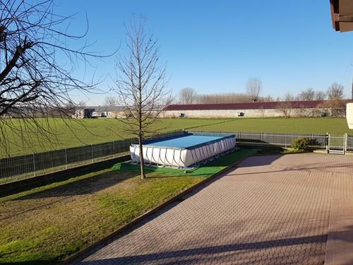 1)Dopo solo piscina e relax. Piscina interrata 10 x 5 + scala ingresso laterale e in acciao .Pavimentazione in legno di ipè ideale per esterni .