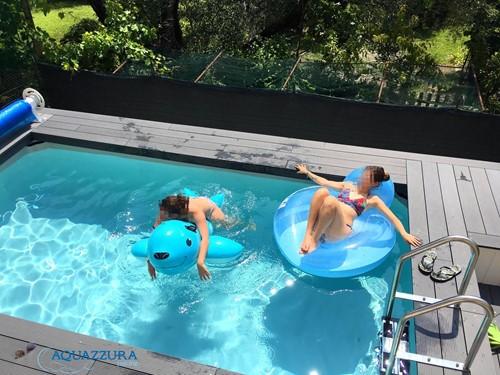 30.piscina fuori terra ragazze in piscina