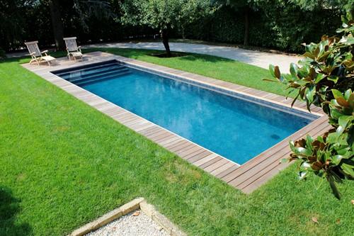 Piscina misure cm.740x 300 x h 150 Piscina funzionante con pavimentazione in legno perimetrale .